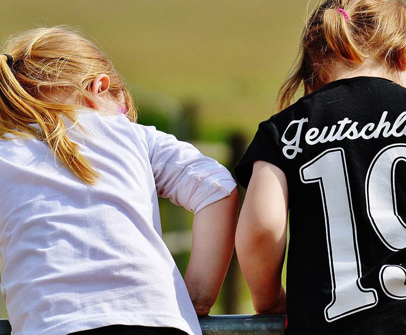 sportowe rytuały dwie dziewczynki